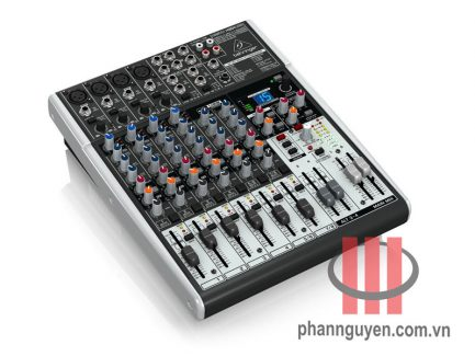 Mixer Behringer XENYX X1204USB