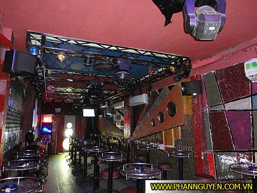 Thi công phòng karaoke Bar Cafe MTV
